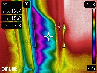 Ovenkarmin lämpövuoto kuvattuna lämpökameralla